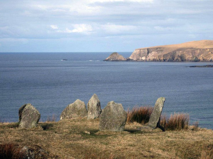Glengad_Stone_circle_Broadhaven_Bay_ copyright Comhar